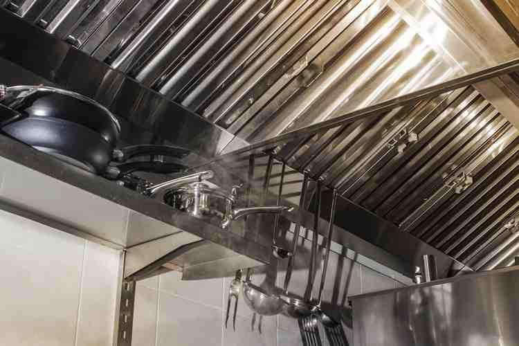 Comment installer tuyau hotte de cuisine ?