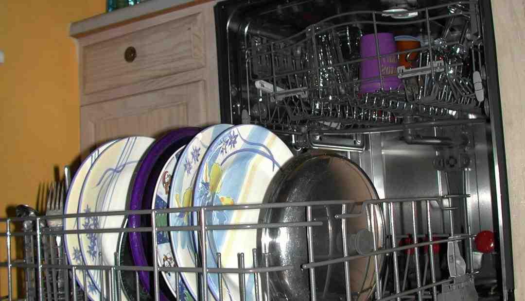 Quelle est la différence entre un Lave-vaisselle encastrable et intégrable ?